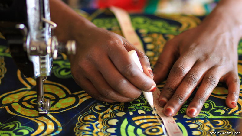 Rwanda - Sewing Machines, Stitch by Stitch